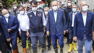 Cumhurbaşkanı Erdoğan, Kastamonu'daki afet bölgesini inceledi