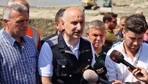 Bakan Karaismailoğlu Çatalzeytin'de yeni köprüyü ulaşıma açtı