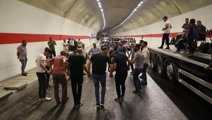 Salarha Tüneli'nin tamamlanması horonla kutlandı