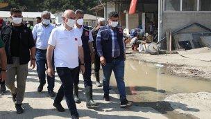 Bakan Karaismailoğlu, Sinop'ta sel bölgesinde incelemelerde bulundu