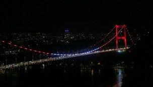 İstanbul'un köprüleri ve Galata Kulesi kırmızı beyaza bürünecek