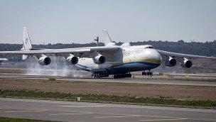 Dünyanın en büyük kargo uçağı İstanbul Havalimanı'nda!