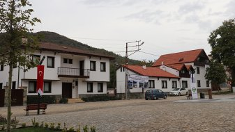 Yalova'nın Güneyköy meydanı Osmanlı mimarisiyle yenilendi