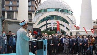 Gaziosmanpaşa'da yeniden inşa edilen Çifte Minare Camisi ibadete açıldı