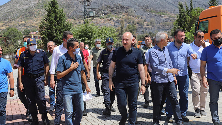 Bakan Karaismailoğlu, Antalya'daki yangın bölgelerini inceledi