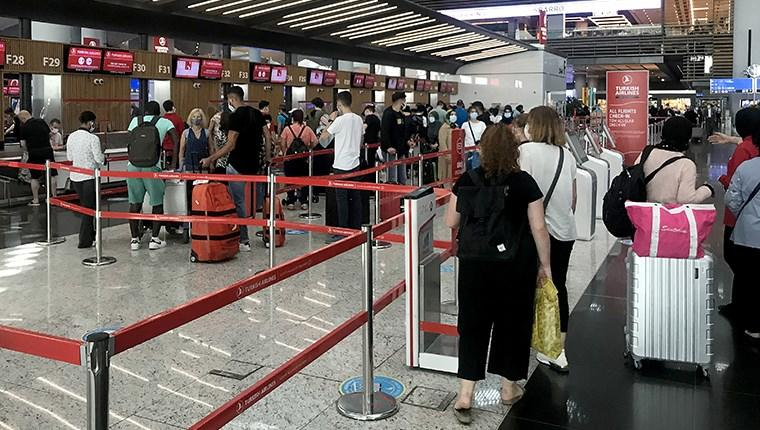 İstanbul Havalimanı'nda bayram tatili yoğunluğu başladı