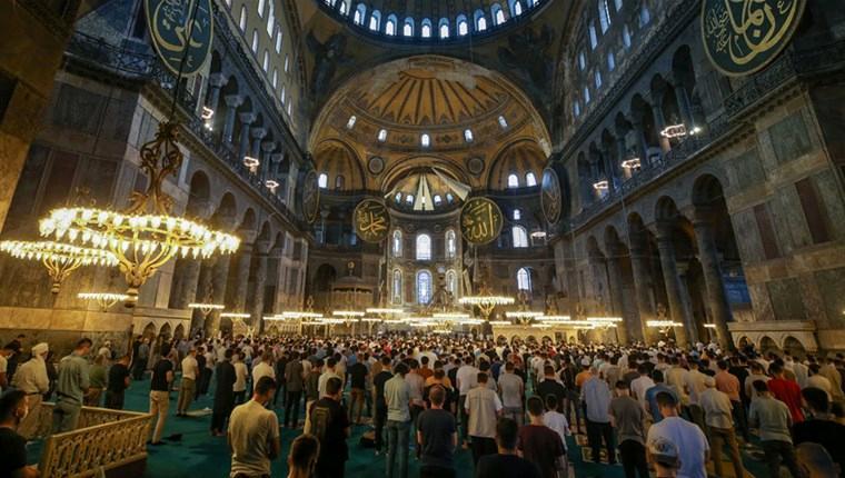 Ayasofya-i Kebir Camisi'ne 1 yılda 3 milyon ziyaretçi!