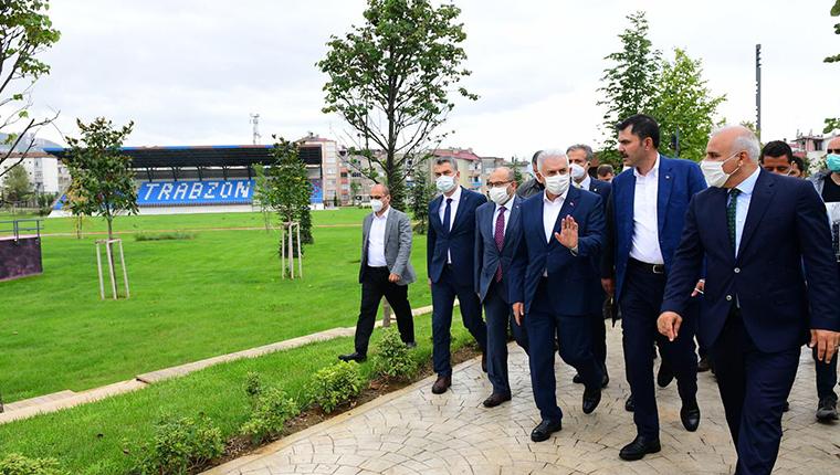 Bakan Kurum, Ortahisar Millet Bahçesi'ni ziyaret etti